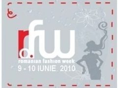Romanian Fashion Week LIVE pe fatada media Cocor Bucuresti