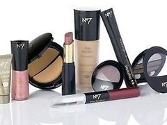 Produsele de make-up No7 de la BOOTS revin in Romania