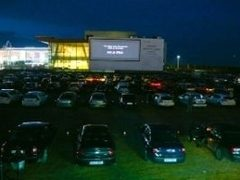 In 2010, 15.000 de masini au mers la film la Baneasa Drive In Cinema