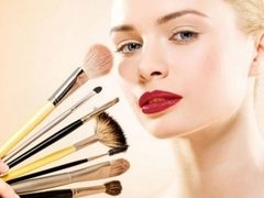6 greseli de make-up care te fac sa pari mai in varsta