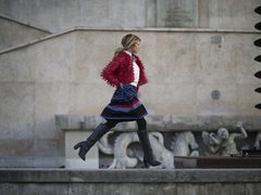Moda strazii la Paris Fashion Week. Vezi cele mai sic tinute ale fashionistelor!