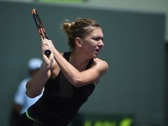 Simona Halep, invinsa de Serena Williams, in semifinale, la Miami