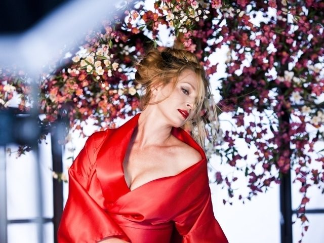 Uma Thurman, la festivaluri din intreaga lume, in Calendarul Campari 2014!